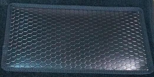 подпятник на автомобильные коврики